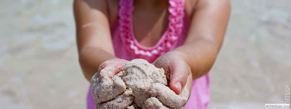 pink sand in eleuthera